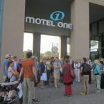 img_0891-2-9-2016-motel-one-besammlung-zur-stadtfu%cc%88hrung-dresdens