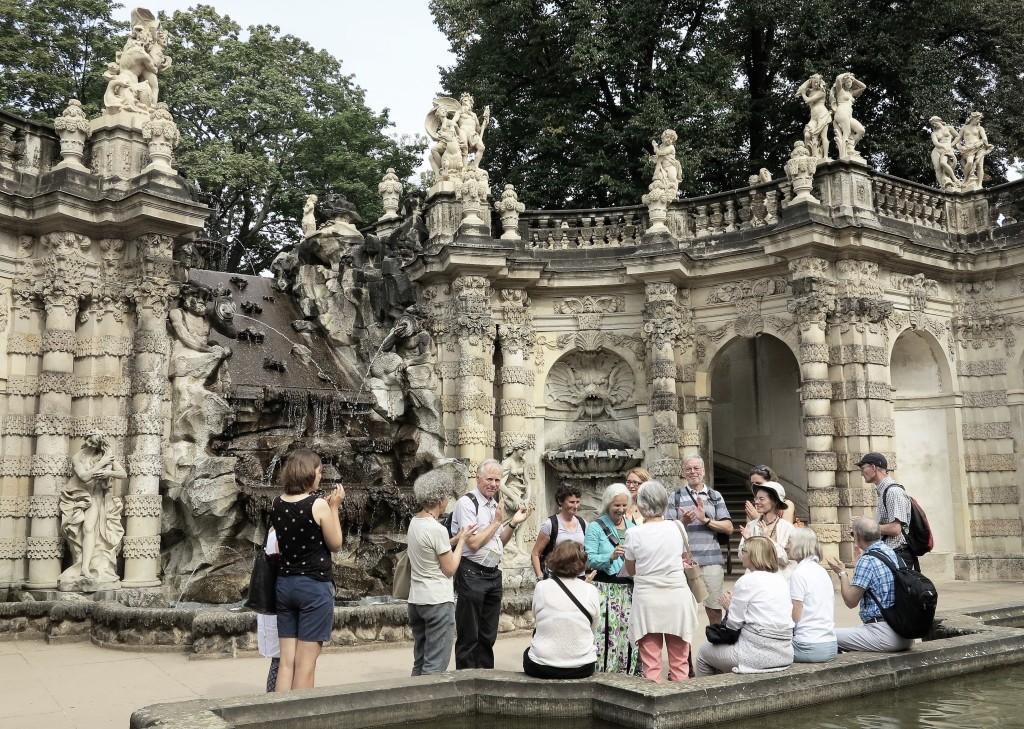 img_1017a-2-9-2016-zwinger-nymphenbadbrunnen-dresden